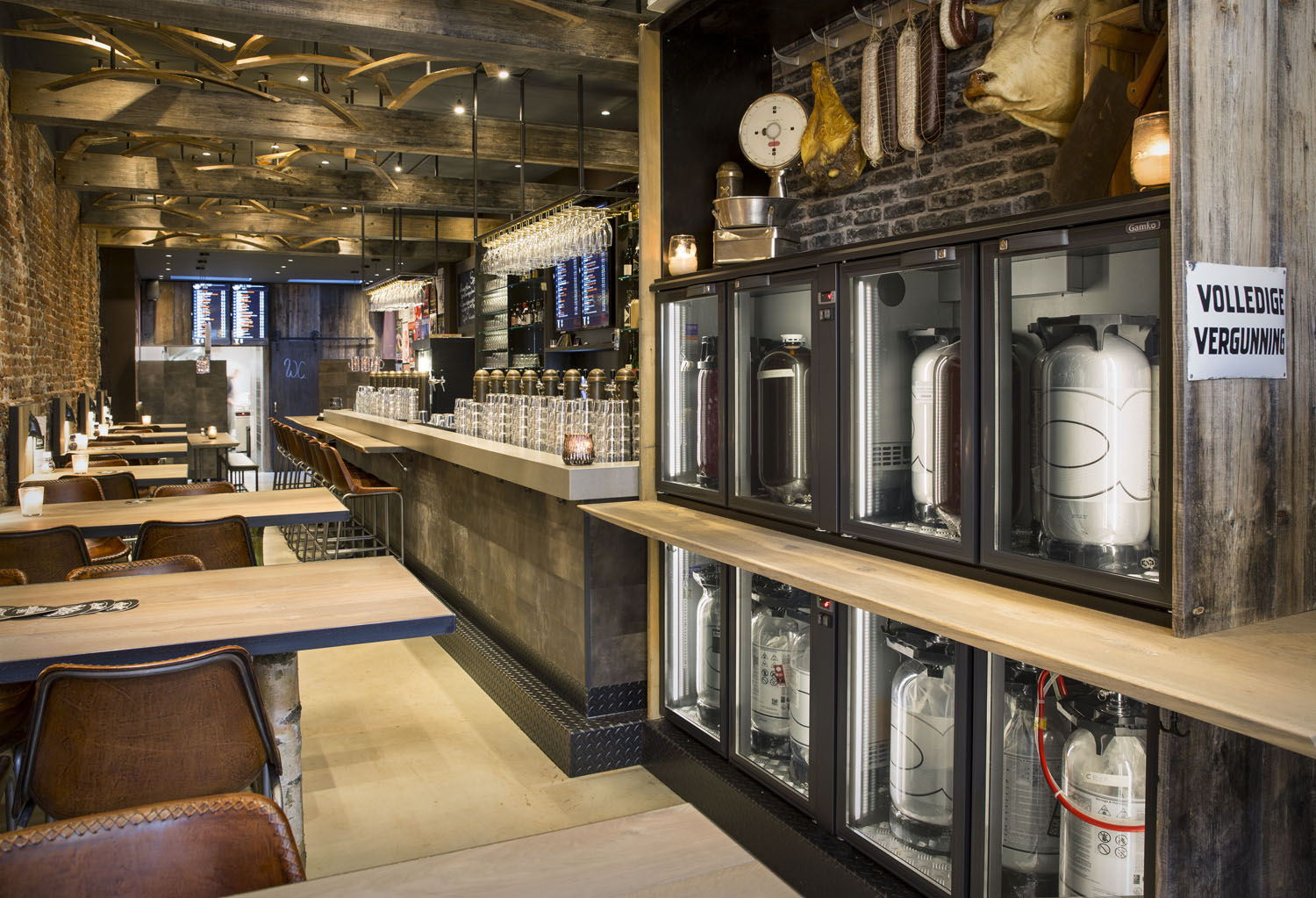 Hotel In The Heart Of Scotland That Refurbished Itu0027s Bar To Include Five E3  Cabinets.